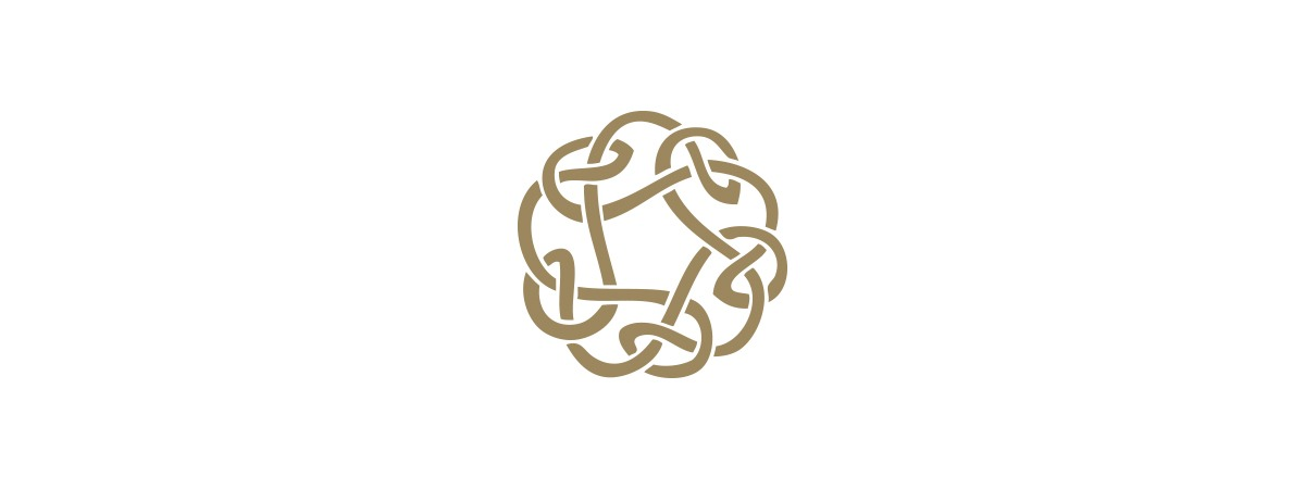The Fairsing Vineyard Celtic Knot secondary logo in gold