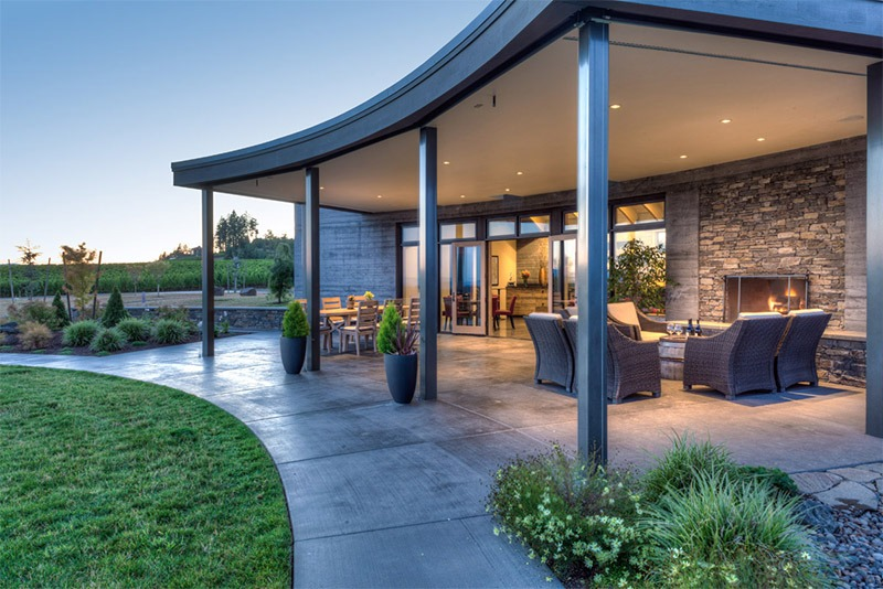The tasting room and front patio at Fairsing Vineyard in Oregon's Willamette Valley